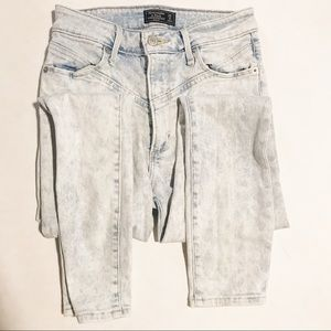 Abercrombie & Fitch High Rise 80s Skinny Jeans